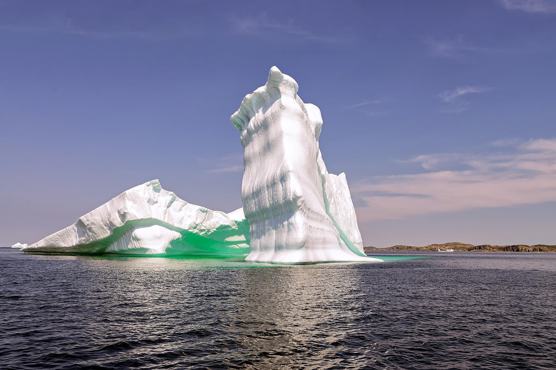 03_Atlantic_Canada_Outdoors_Iceberg_shutterstock_400955818