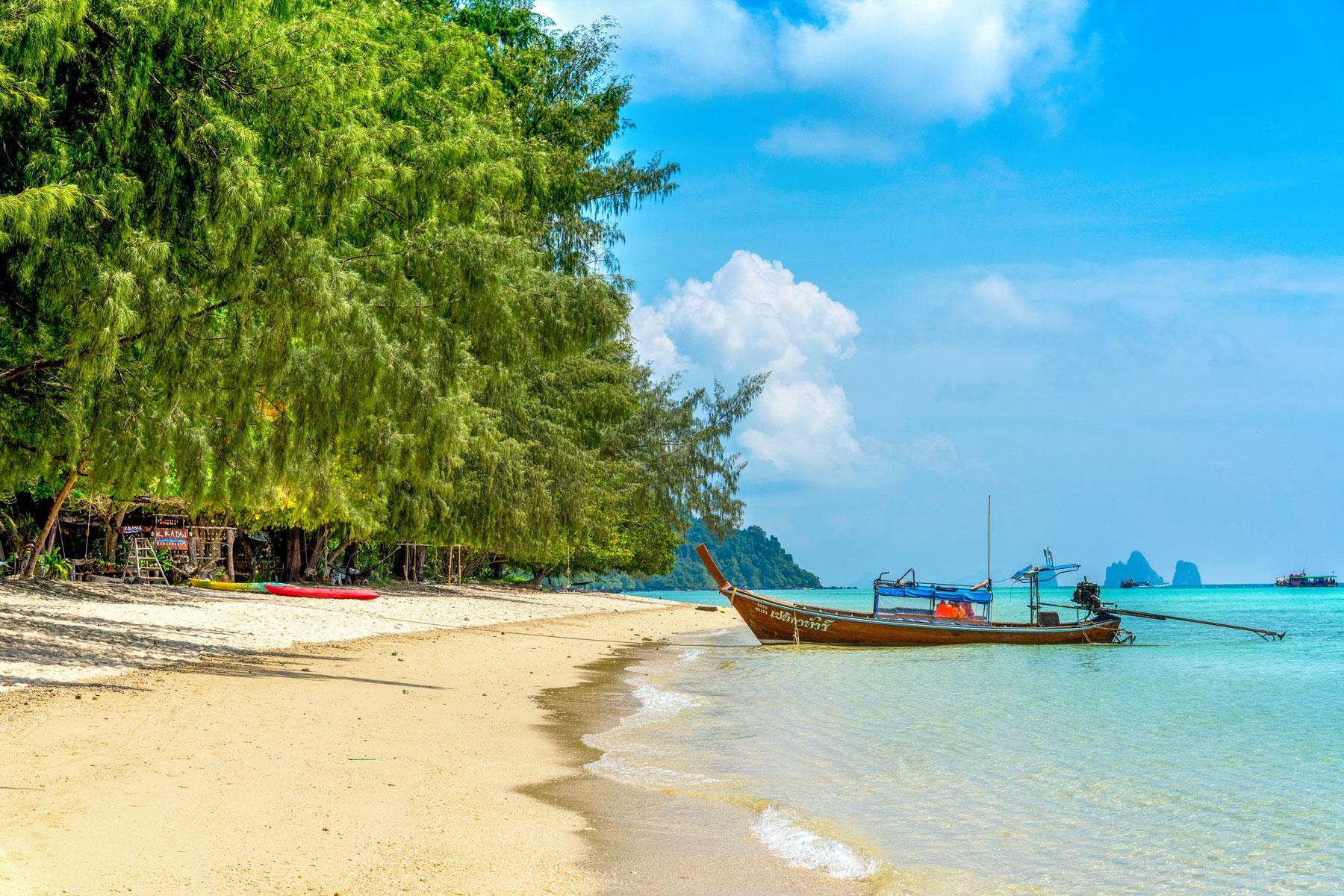 04_Thailand_Snorkeling_Diving_Koh_Kraden_PR_Trang-Ko-Kradan-Ko-Kradan-Beach-(2)