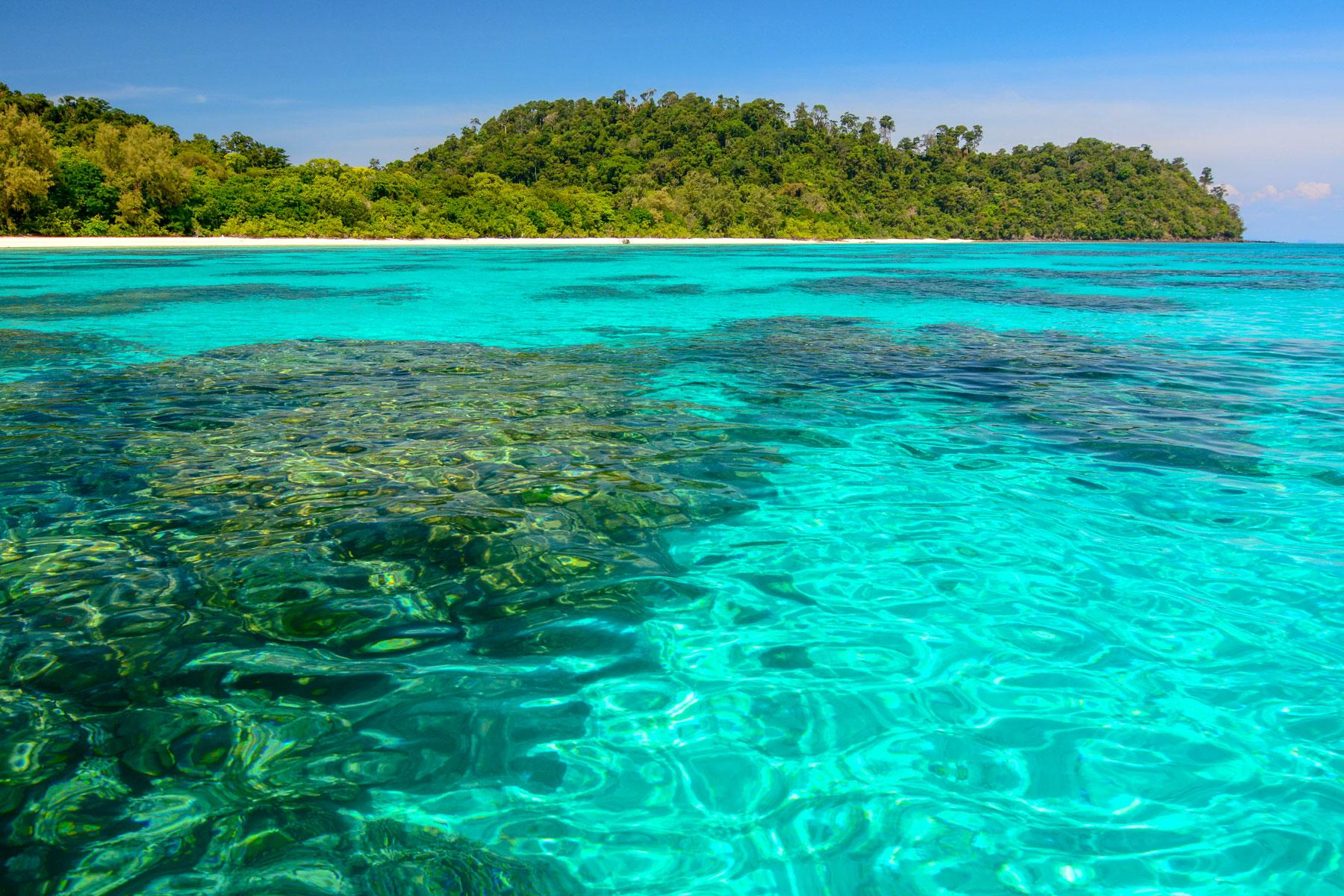 06_Thailand_Snorkeling_Diving_Koh_Rok_dreamstime_xxl_87111159