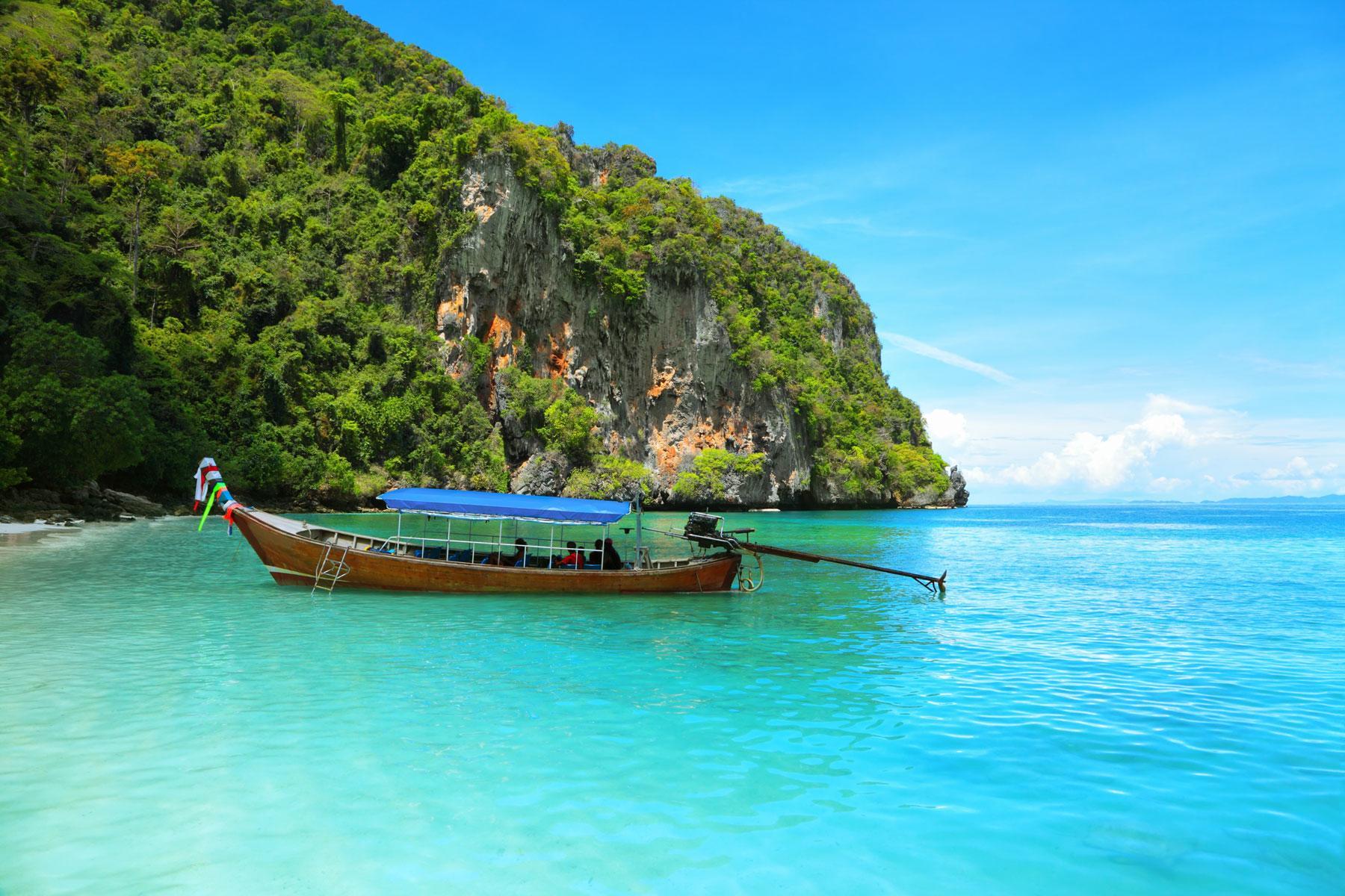 09_Thailand_Snorkeling_Diving_Koh_Phi_PhiShutterstock_41568352