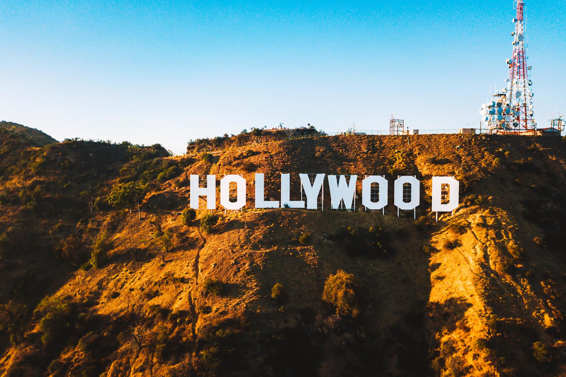 15_20USPlacestoSeeBeforeYouDie__HollywoodSign_shutterstock_1211984116