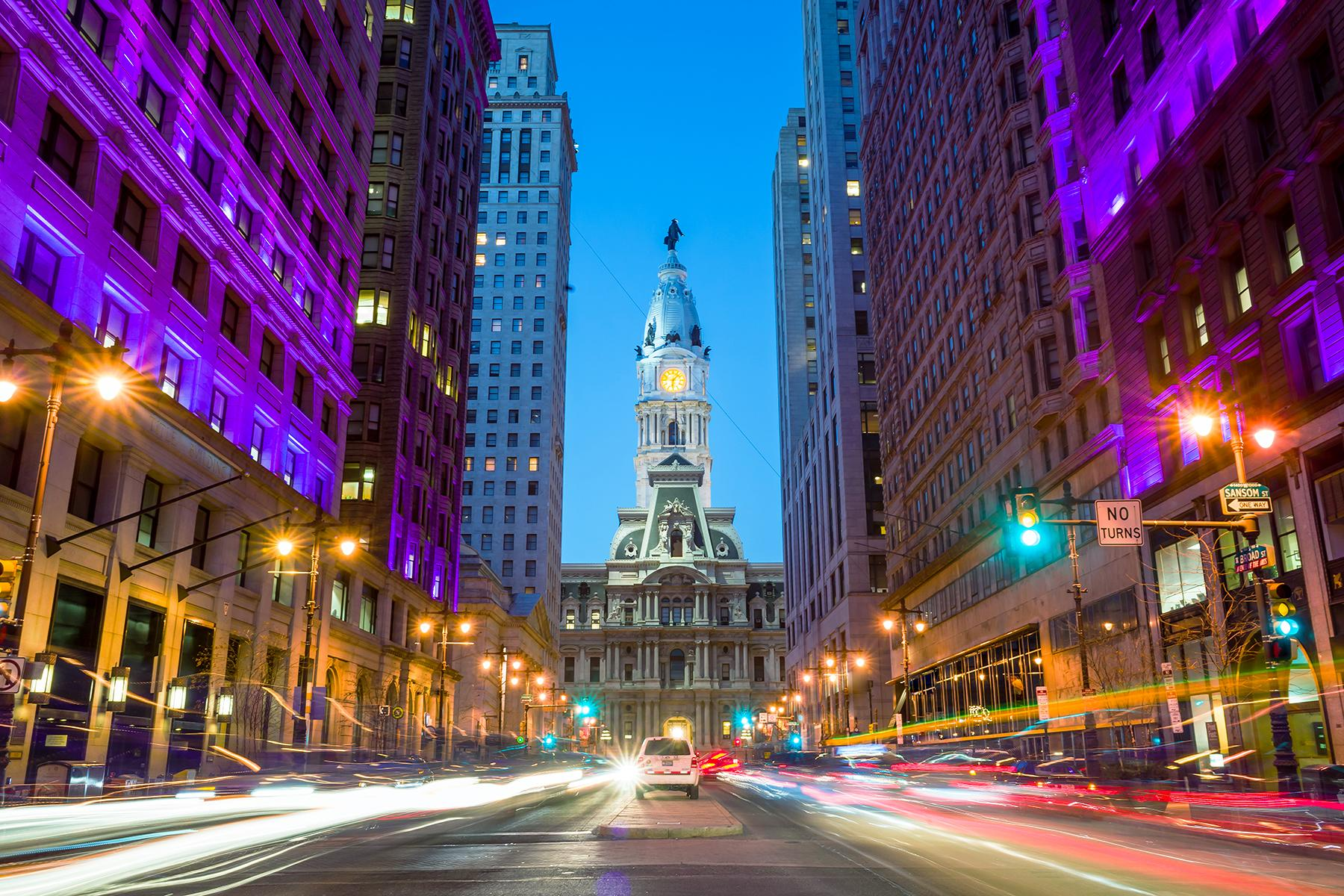 19_20USPlacestoSeeBeforeYouDie__PhiladelphiaCityHall_shutterstock_179729612