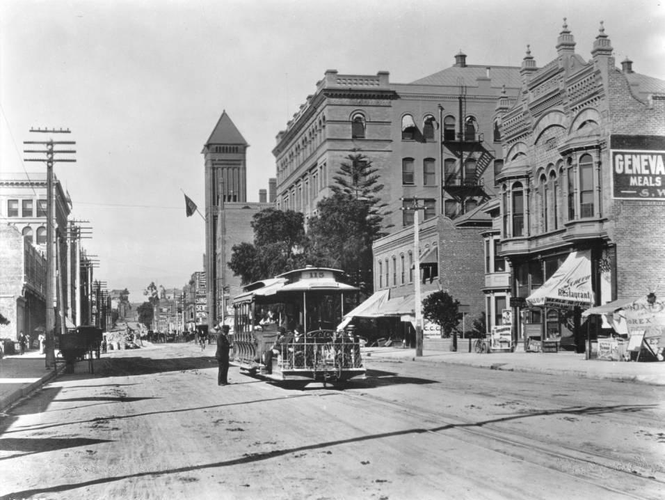 The Weird History of Downtown Los Angeles and Where to See It
