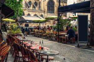 ParisRestaurantsonemenu__HERO_shutterstock_740274313