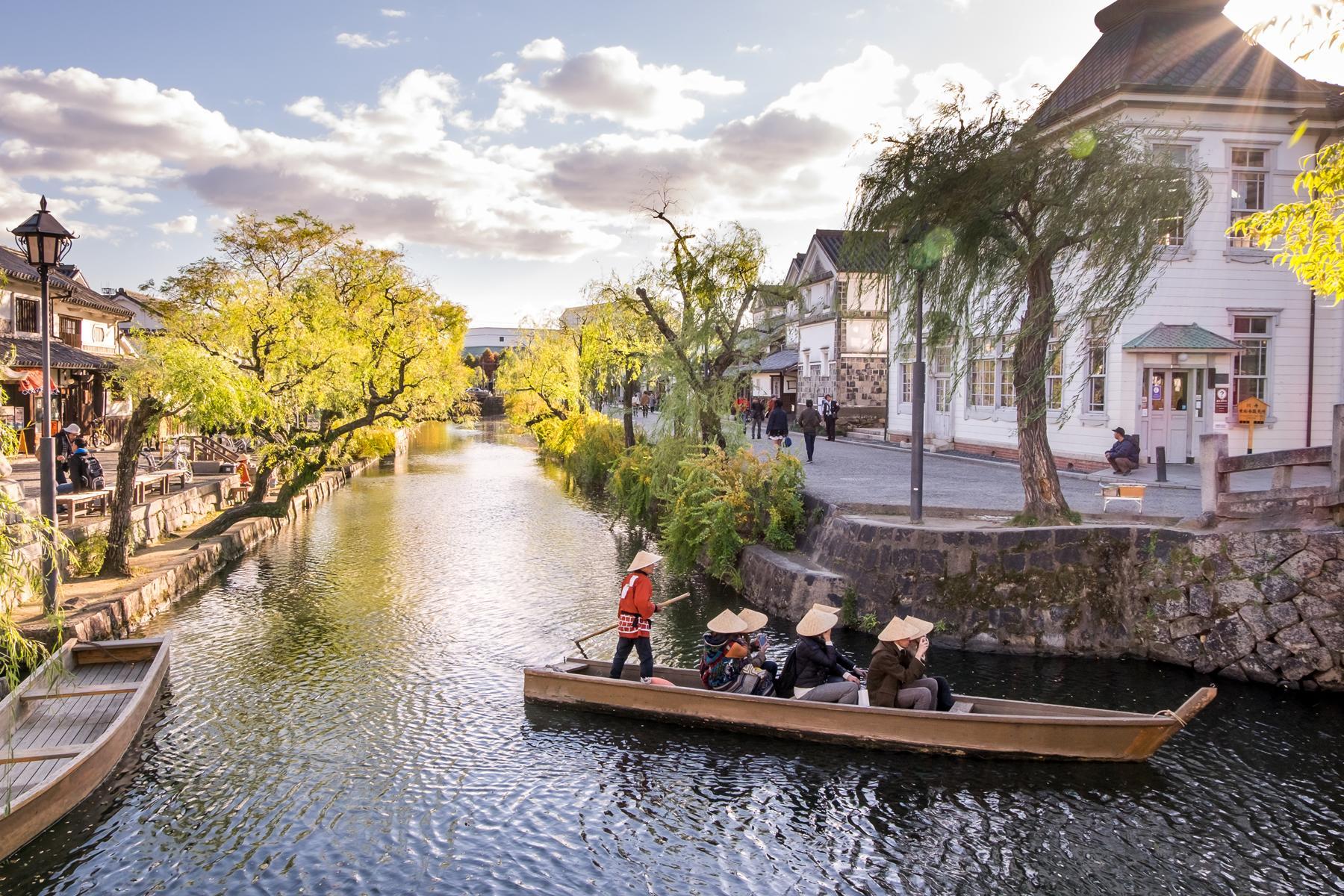 Romantic-Kurashiki_Canal