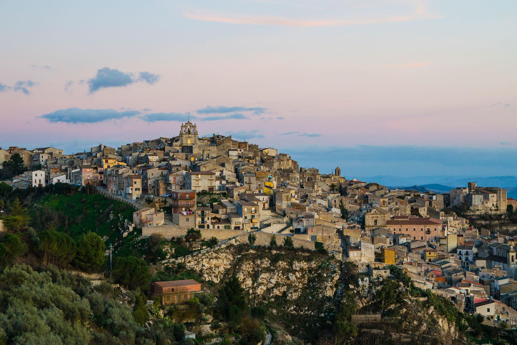How Do You Buy a $20 House for Sale in Italy