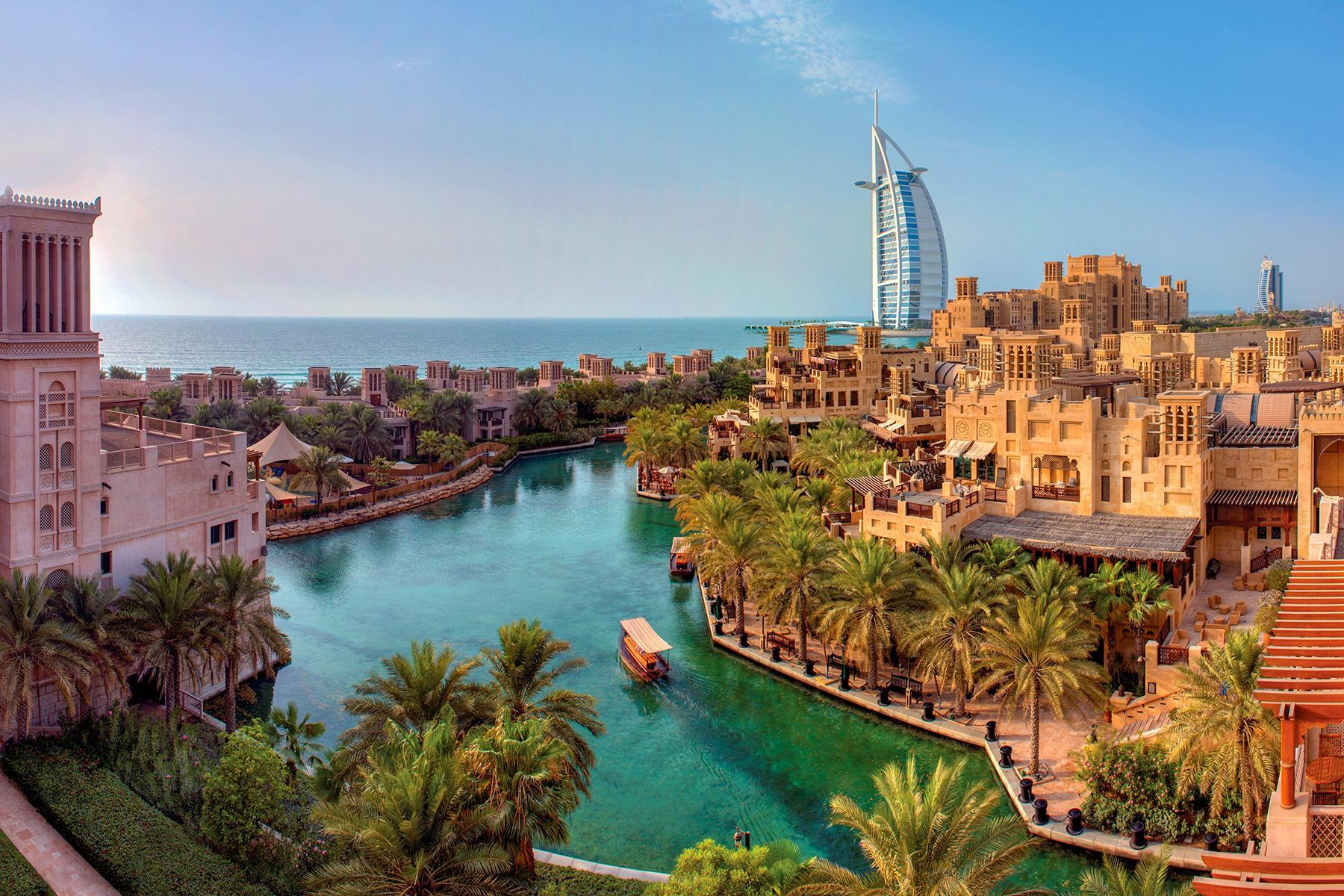 01_BeachHoneymoon__Dubai_1.) Souk Madinat Jumeirah - Daytime Exterior