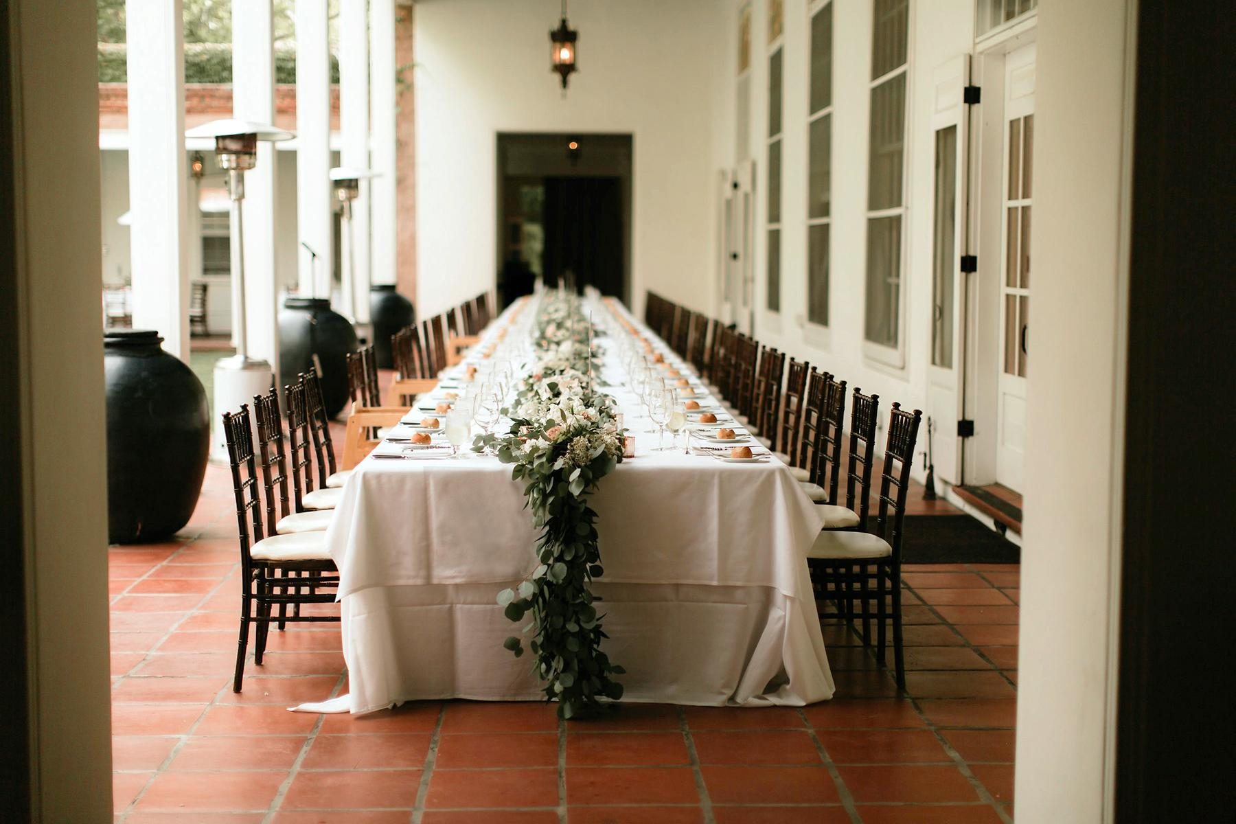 06_RusticWeddingVenues__LosPoblanosHistoricInn_Alicia Lucia Photography_Long Table on Portal
