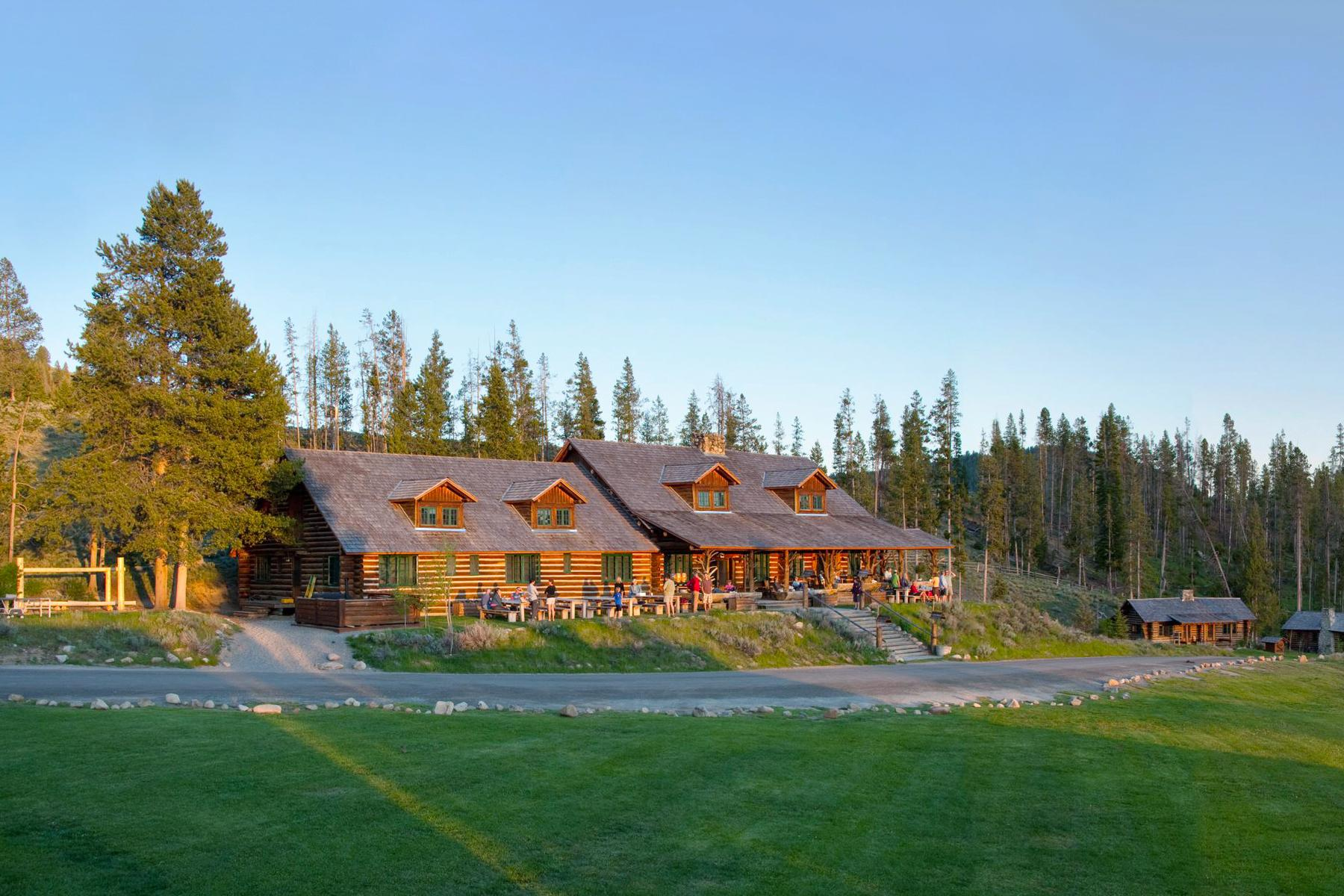 09_RusticWeddingVenues__IdahoRockyMountainRanch_Idaho