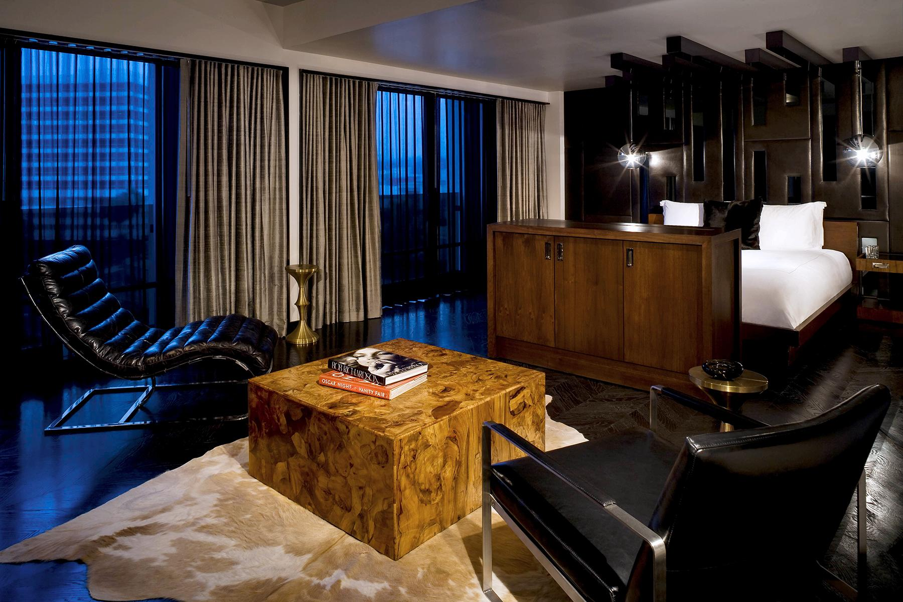 14_KinkyAmenities__SIXTYBeverlyHillsHotel_14.) Penthouse Bedroom