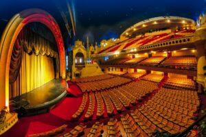 _ParisHistoricTheaters__HERO_Grand_Rex_Etoiles