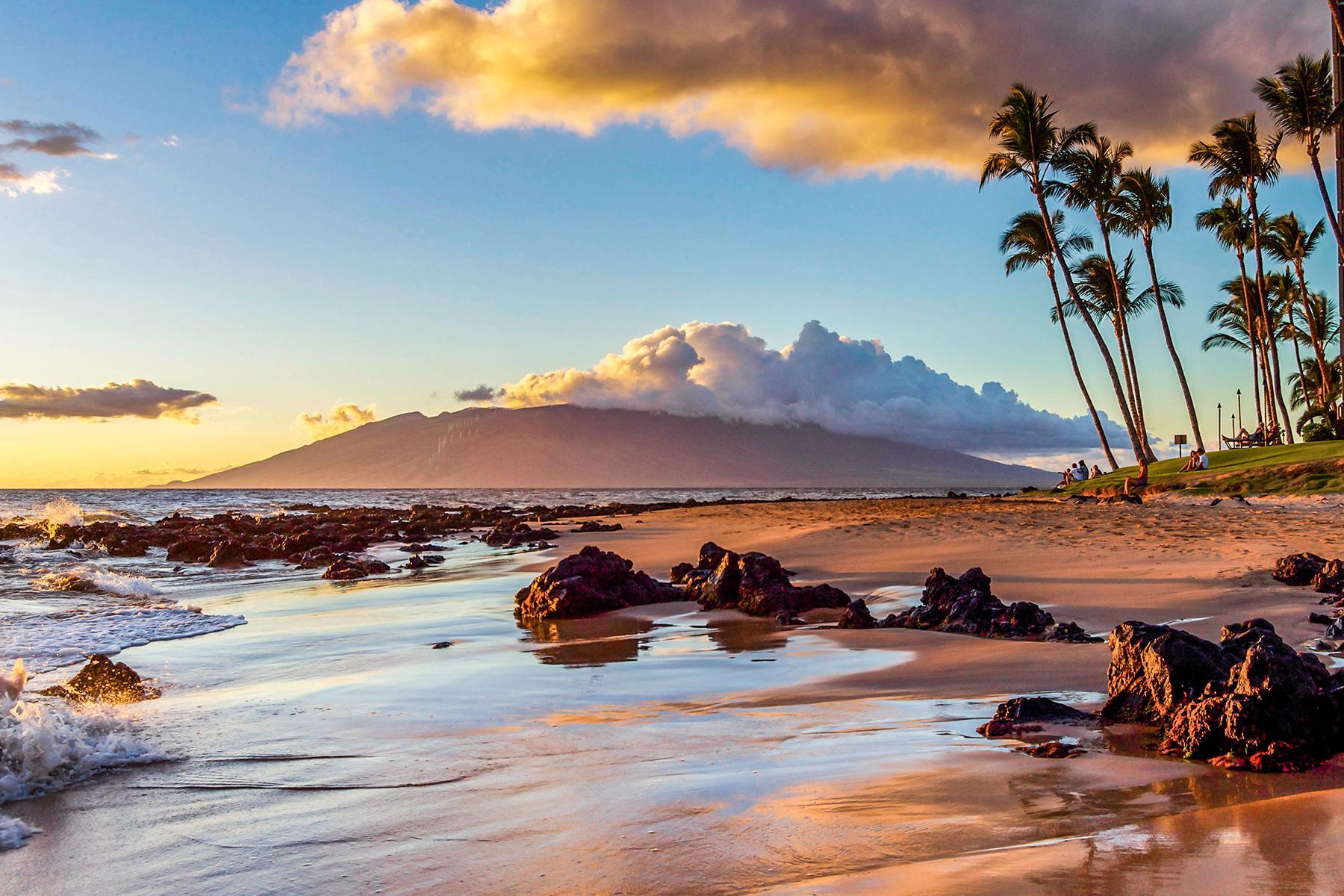 02_ZikaFreeBabymoons__MauiHawaii_iStock-967082682