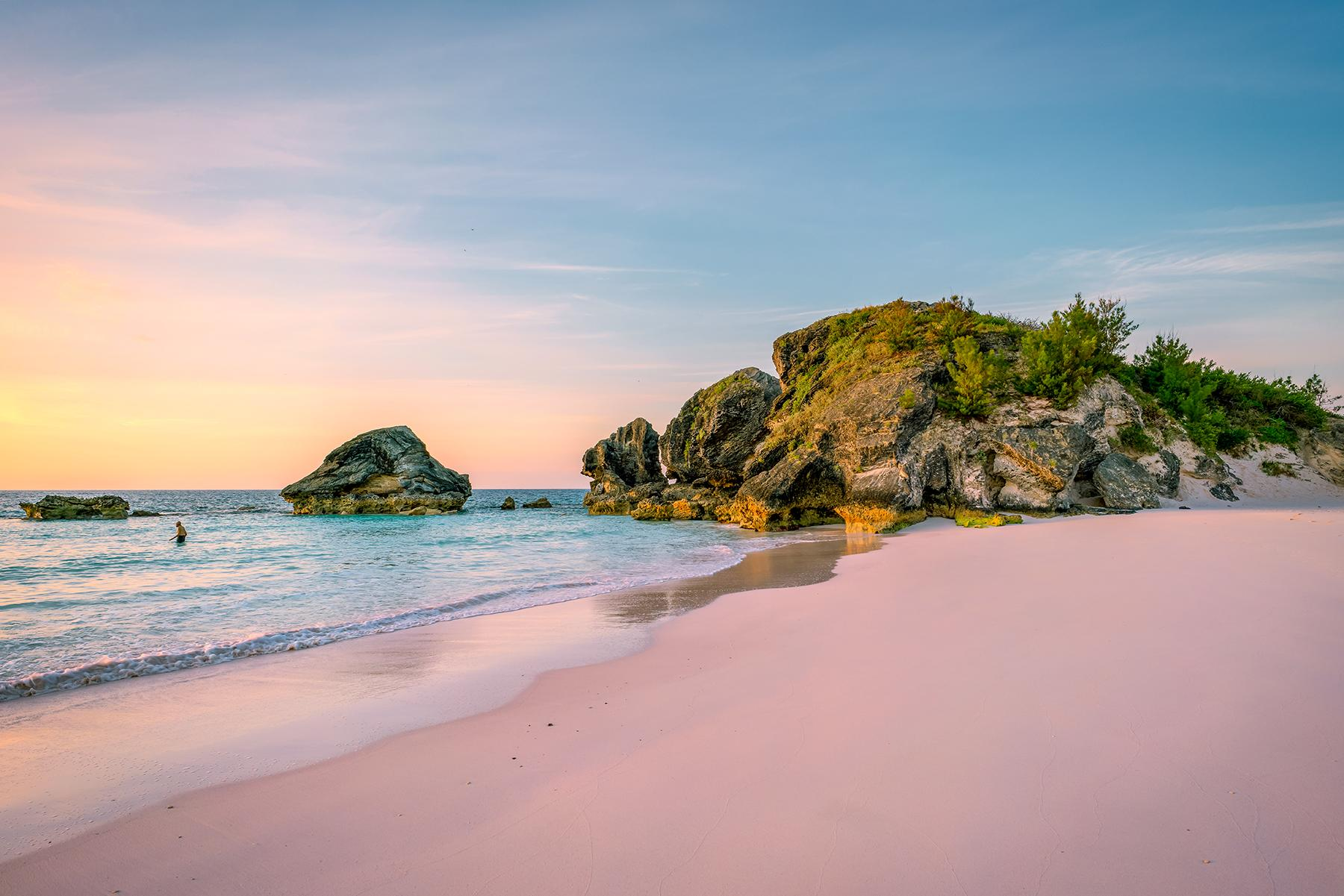 07_BeachHoneymoon__Bermuda_shutterstock_1147166954