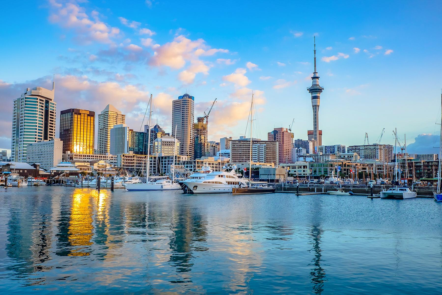 11_BeachHoneymoon__Auckland_shutterstock_743819590