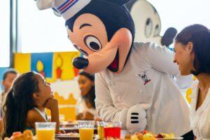 DisneyRestaurant__HERO_chef