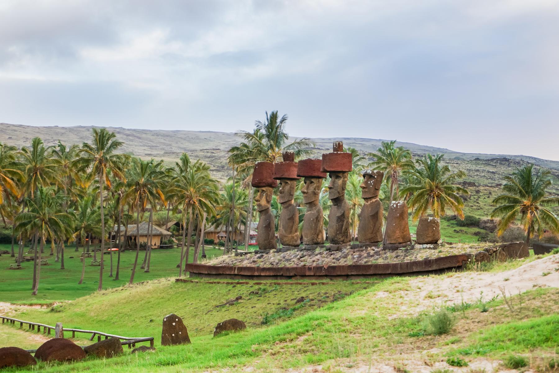 Easter-Island-LATAM-Eclipse-Flight_Moai-Anakena_1800x1200