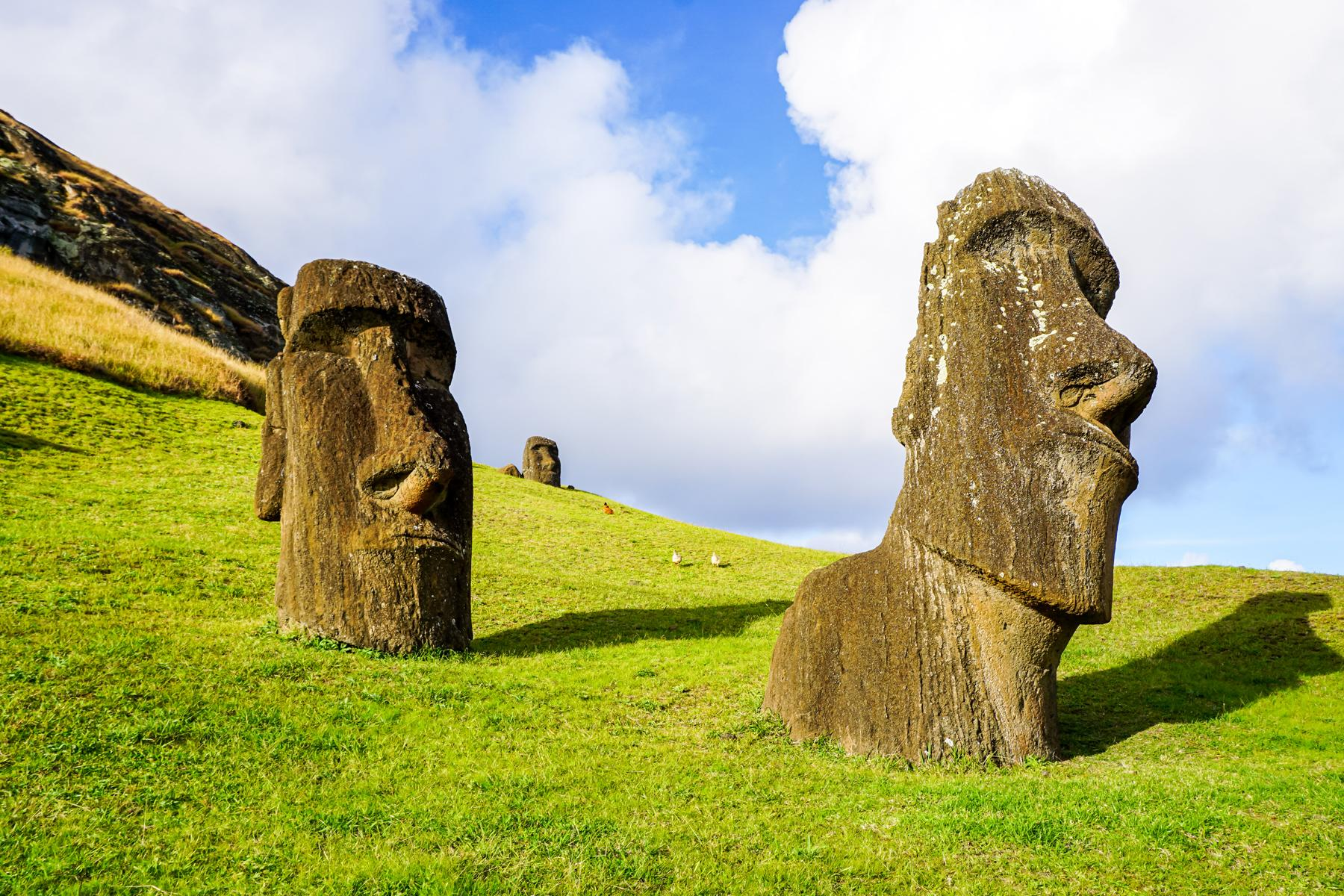 Easter-Island-LATAM-Eclipse-Flight_Moai-Rano-Raraku_1800x1200