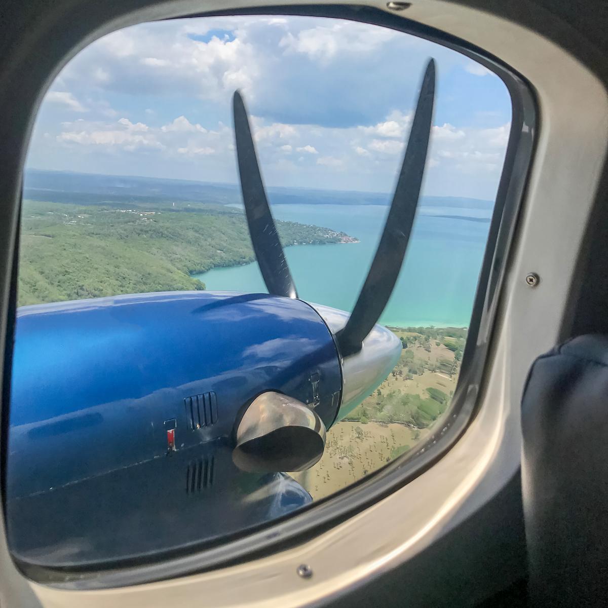 La-Lancha-Guatemala_01-Scary-Plane