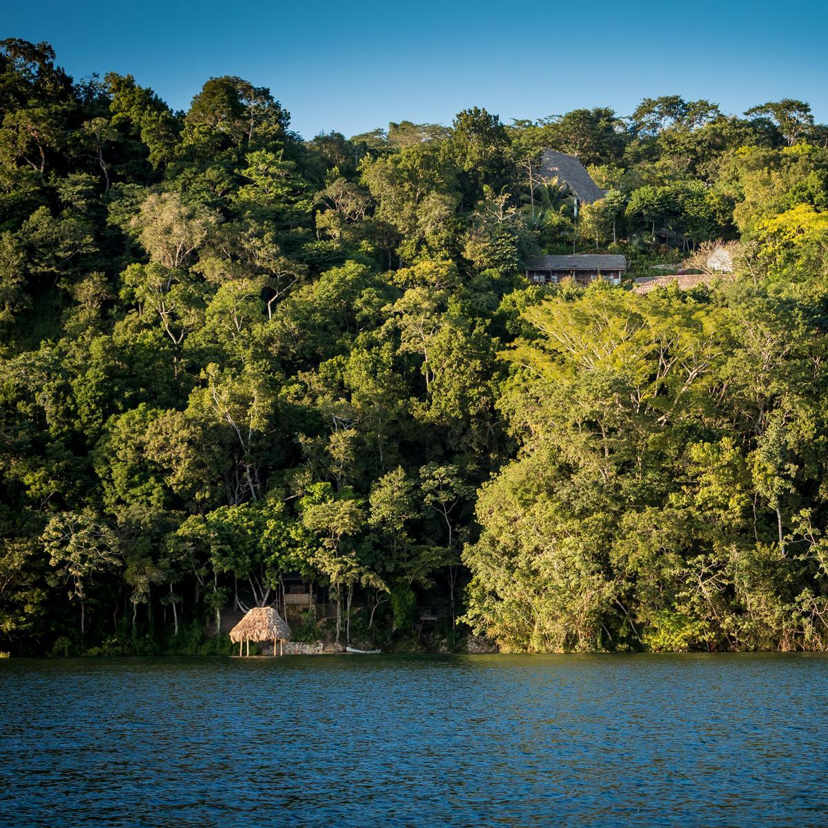 La-Lancha-Guatemala_09-La-Lancha-Dock