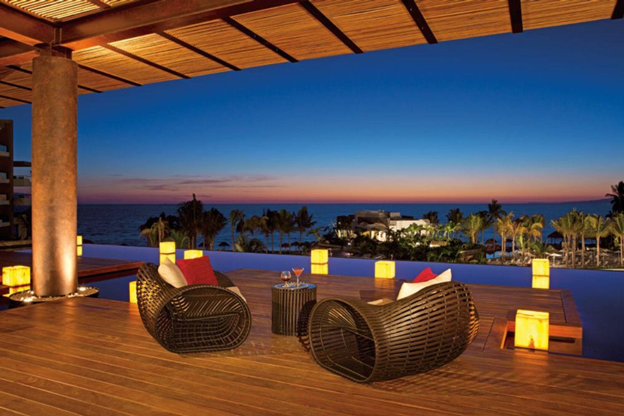Resort Lobby/Terrace