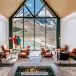 01_Canada__GlacierViewHotel_1.) GI-GVL-Lounge-Window-View copy