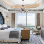 03_02_HotelAwards2020__MiddleEast_StRegisAbuDhabi_3 2 strAUHRXgr-281549-Al Mushref King Suite – Bedroom-High