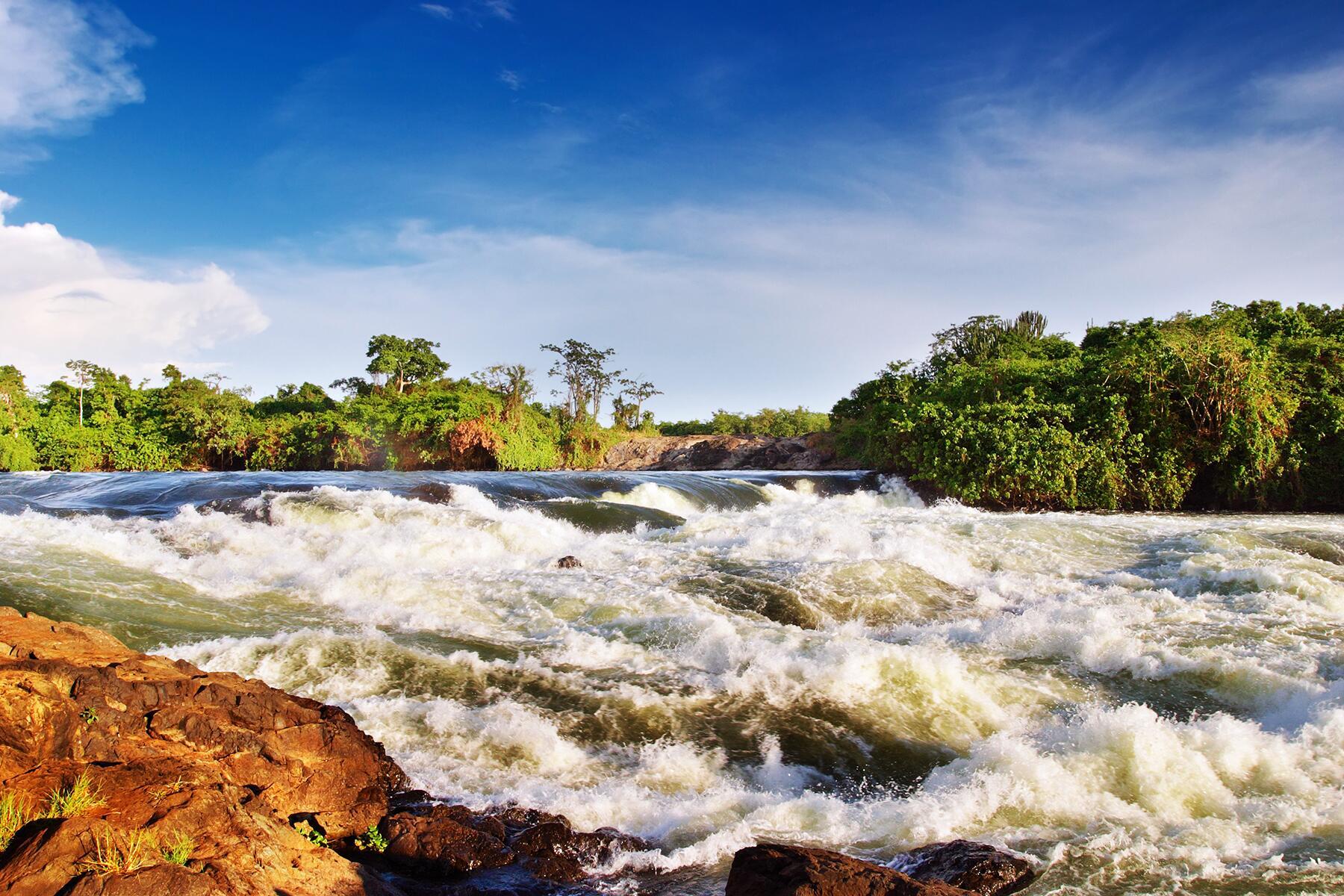02_WhyJinjaisAdventure__Waterfalls_shutterstock_37306639