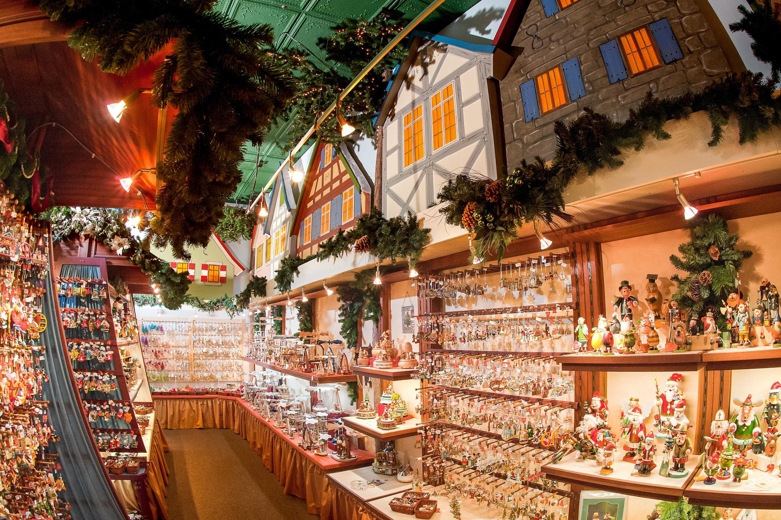 04_ChristmasStoresAllAround__KatheWohlfahrtofAmerica_4.) KWA Stillwater Inside 1