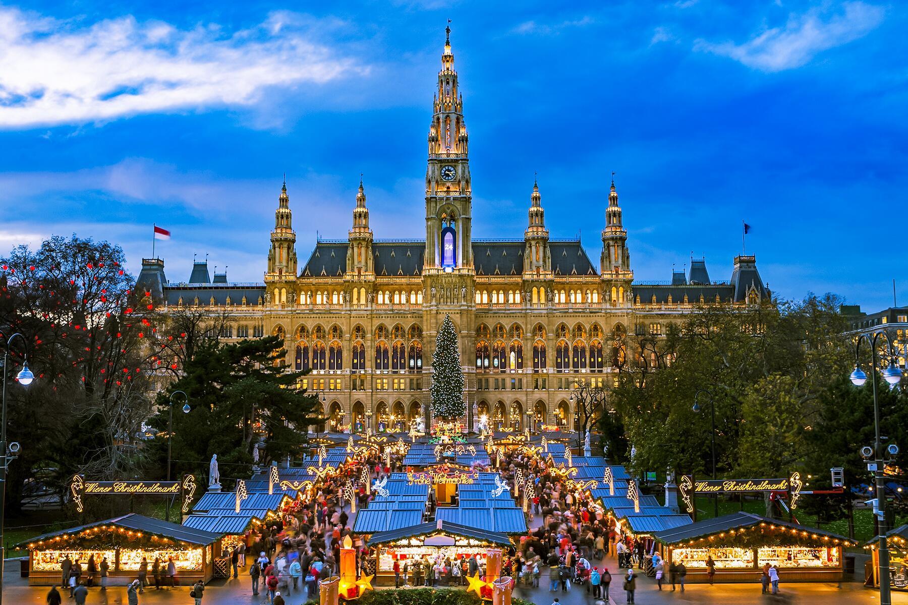 10 Awe-Inspiring Holiday Light Displays in Europe