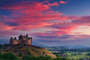00_BestHistoricalSitesInIreland__HERO_The Rock of Cashel