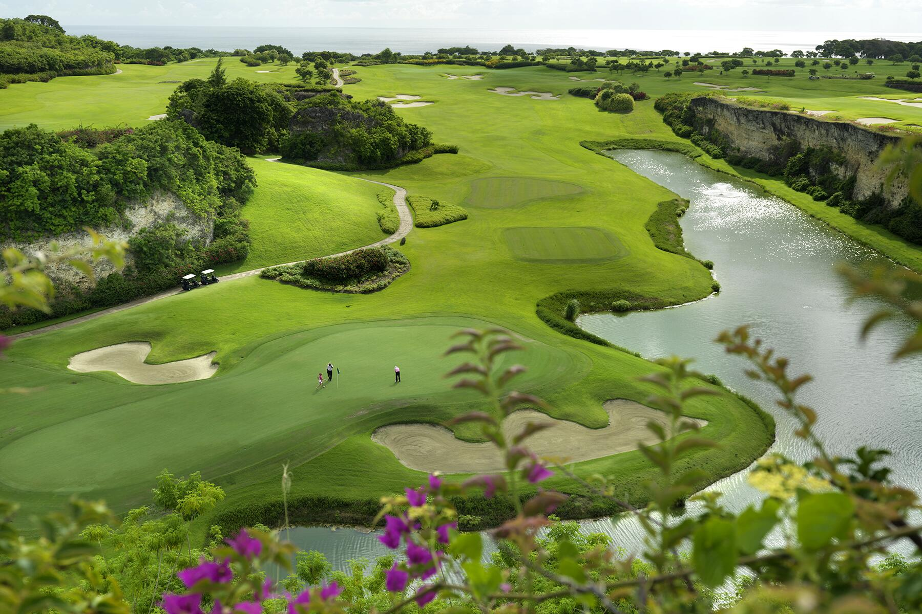 10_UltimateCaribbean__GolfinBarbados_10.) 29 The Green Monkey view from Hole #9