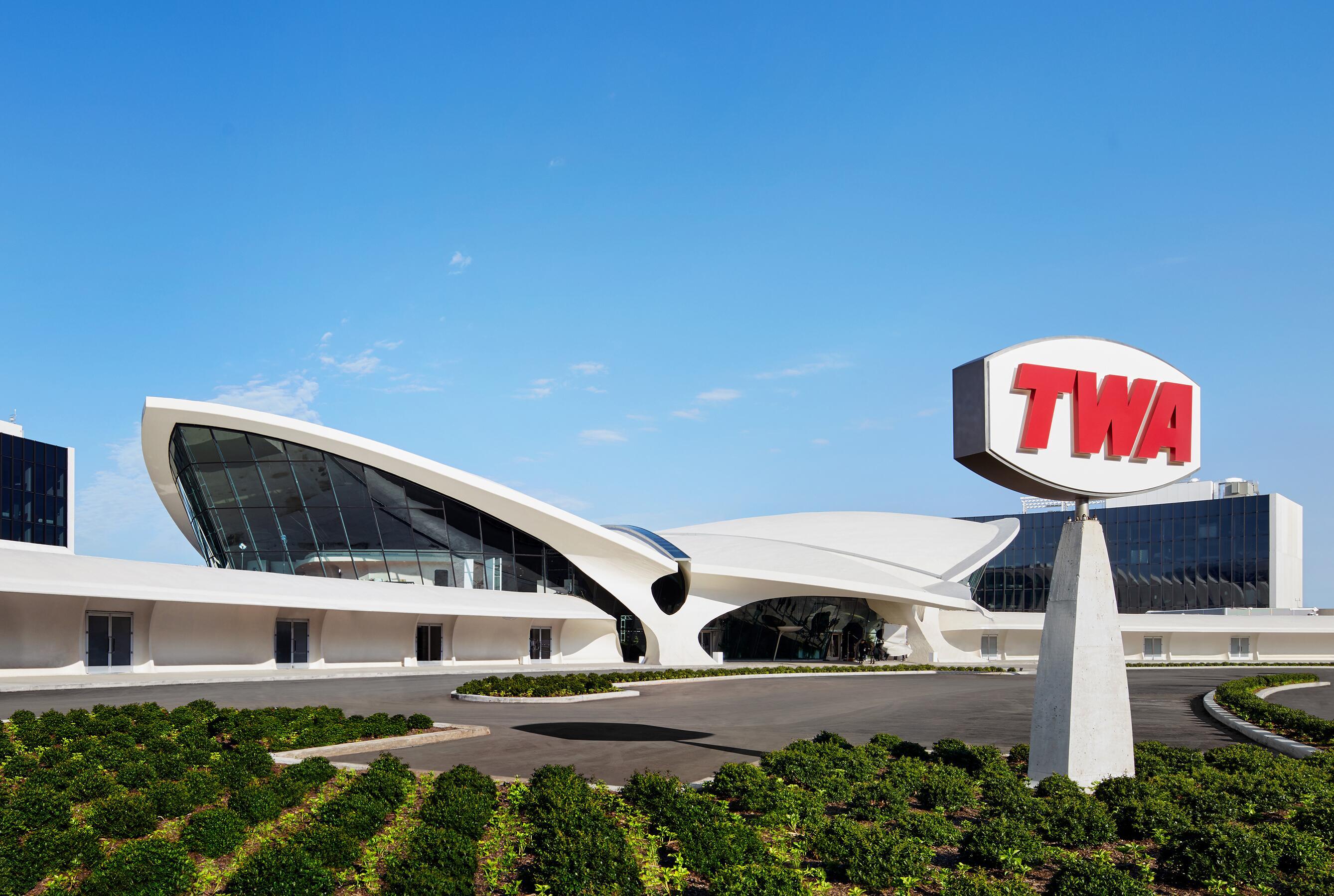 01_TWA Hotel