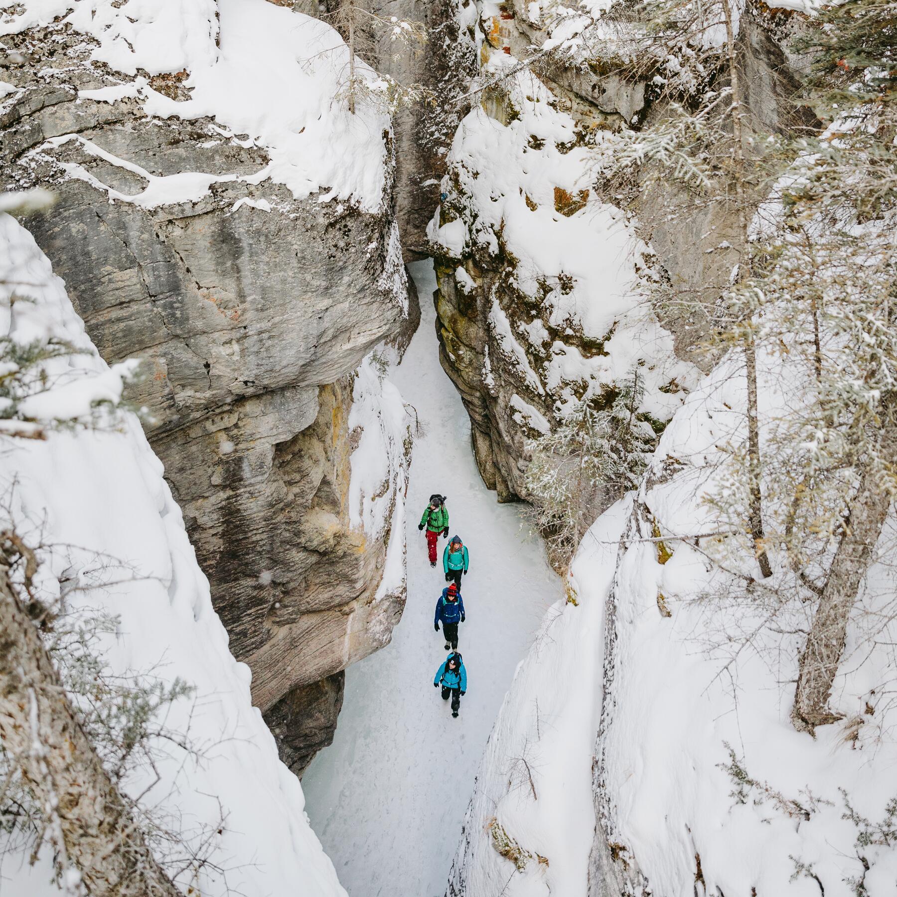 Maligne-Cave02