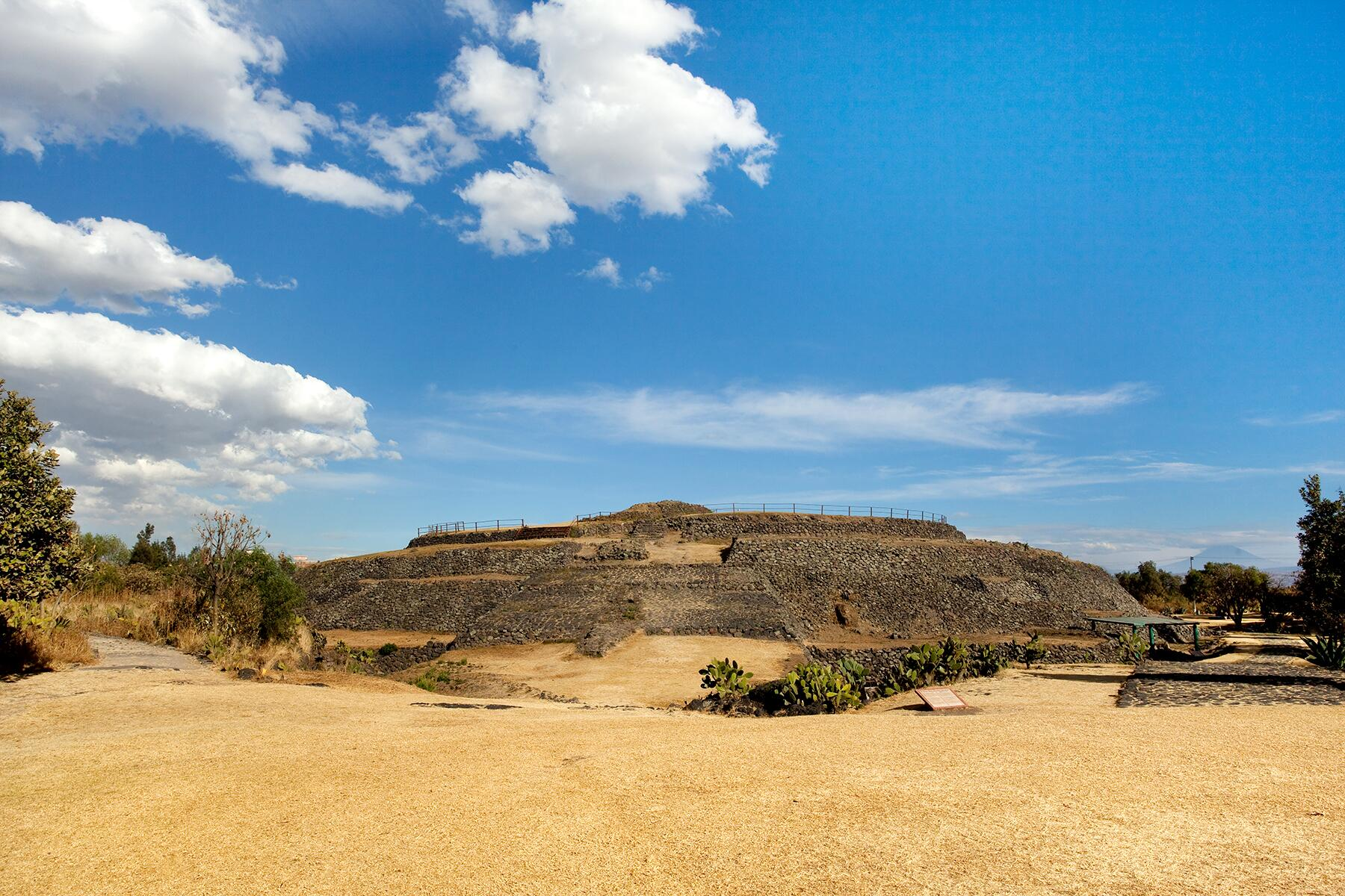 03_OldestManmadeStructure__Cuicuilco_shutterstock_68292421