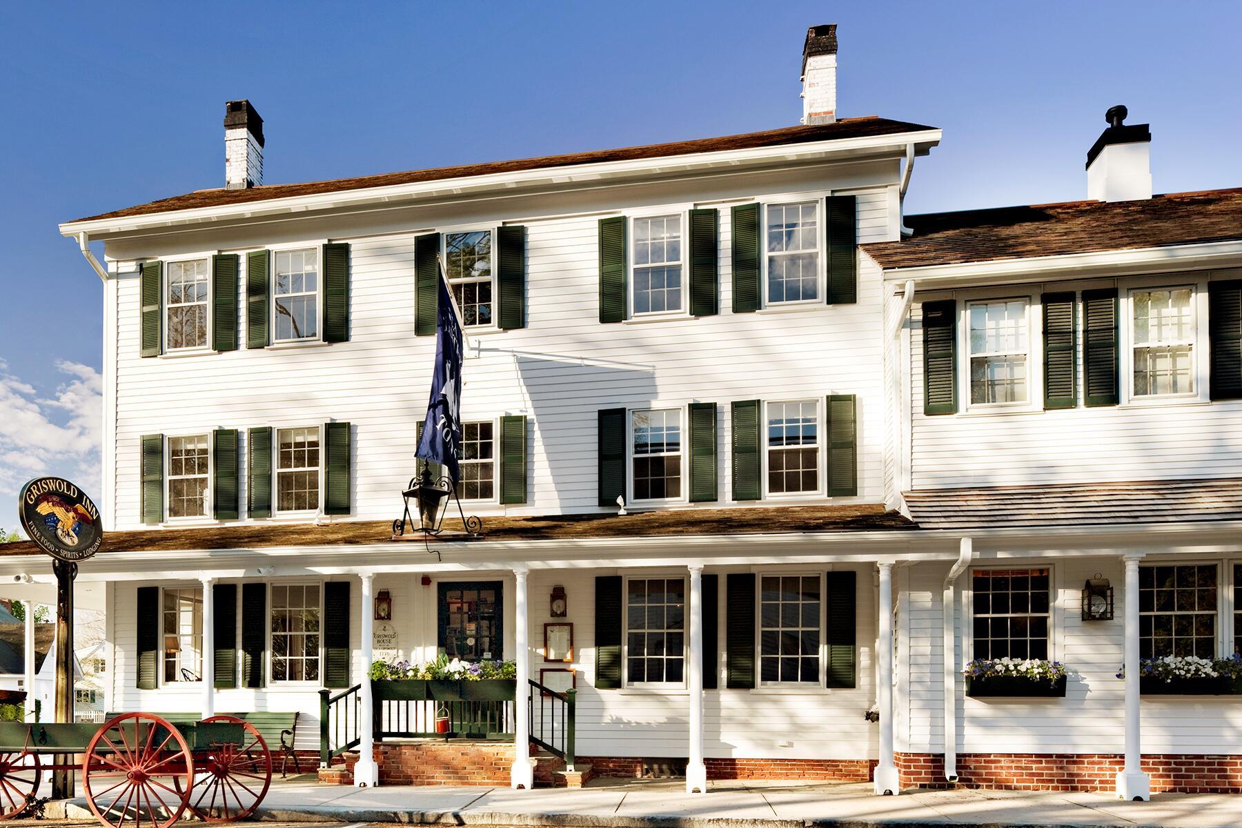 24_OldestRestaurantsintheWorld__OldestBrunchspot_24.) Gris Exterior - Robert Benson - Inns