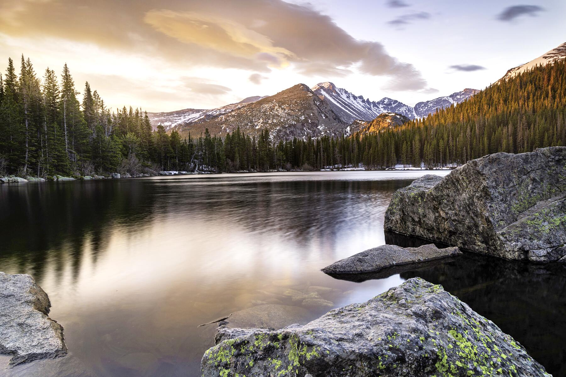 The Perfect Weekend Getaway: Estes Park and Rocky Mountain National Park From Denver