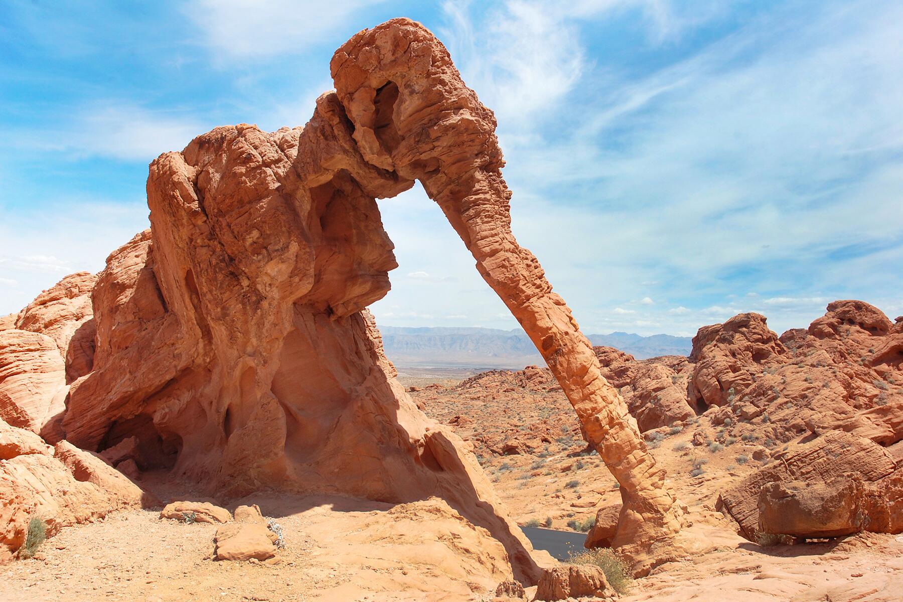 10 Weird Rock Formations Around the World