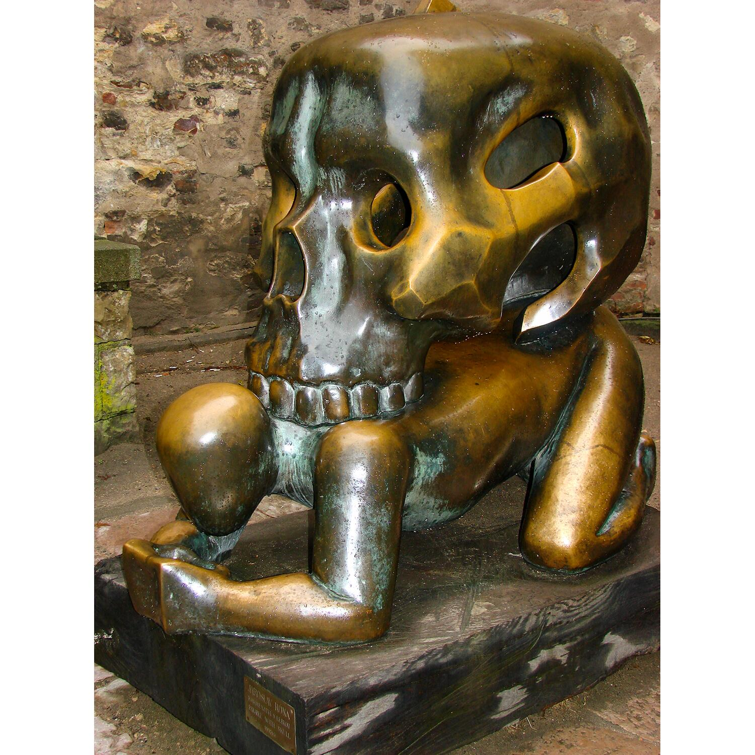 05_SkullAttractions__ParableWithSkull_5 Parable_with_Skull_-_Sculpture_by_Jaroslaw_Rona_