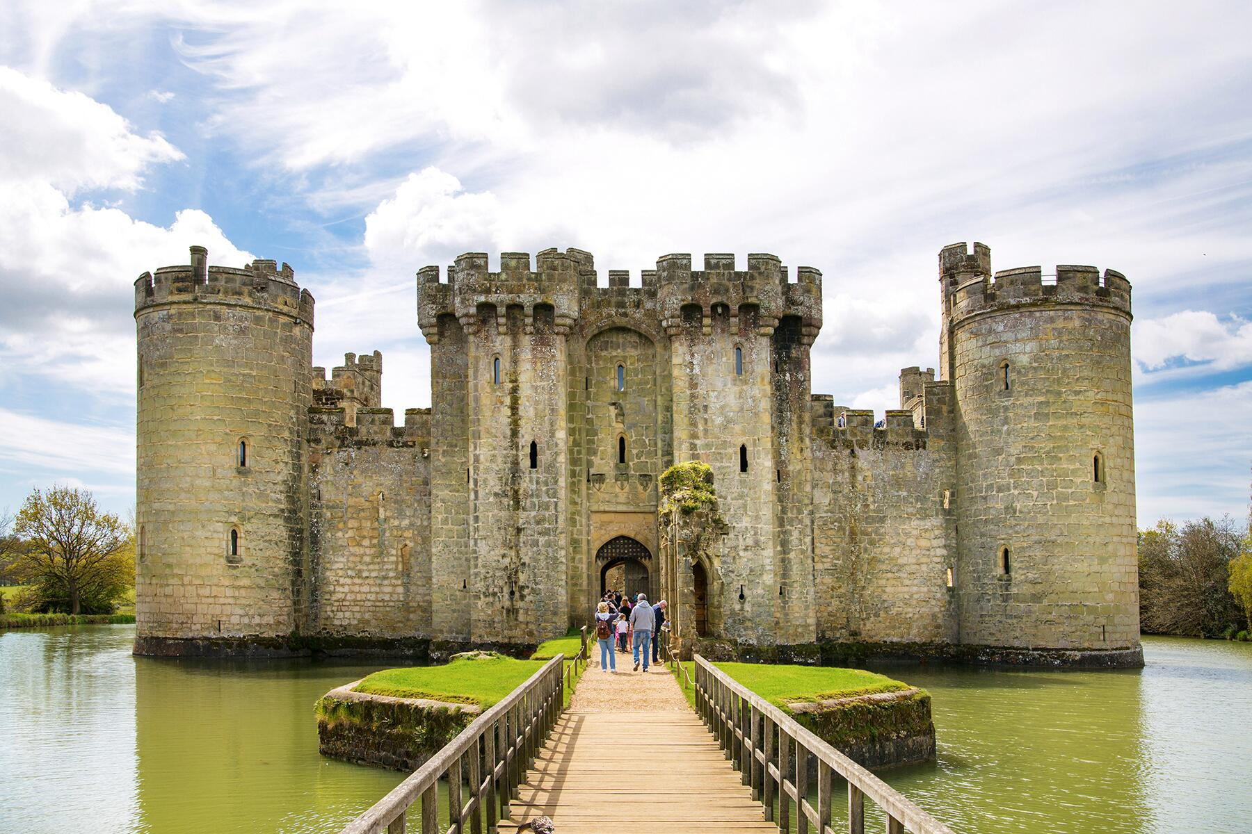 The Best Castles to Visit in England, Wales, and Scotland