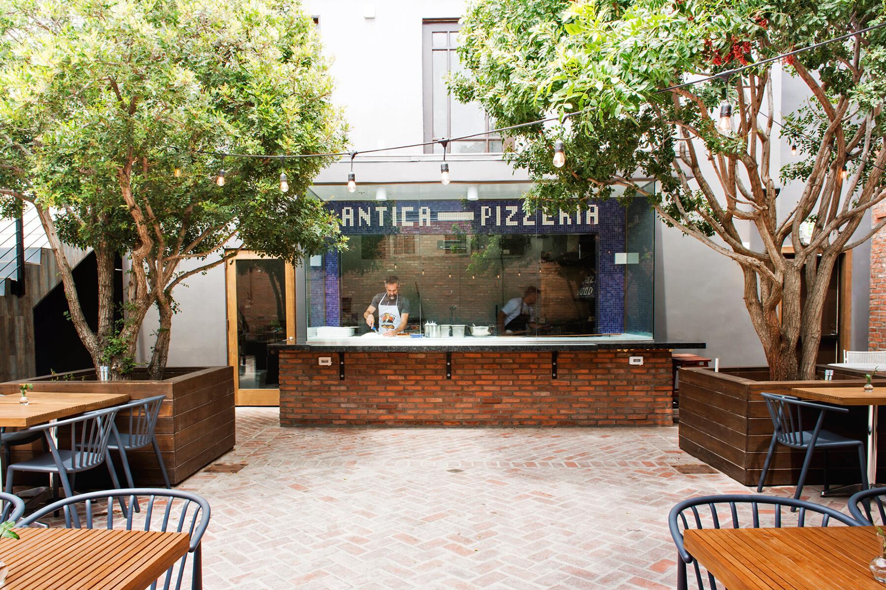 04_ItalianRestaurantsUS__L'AnticaPizzeria_4 _RPF2112